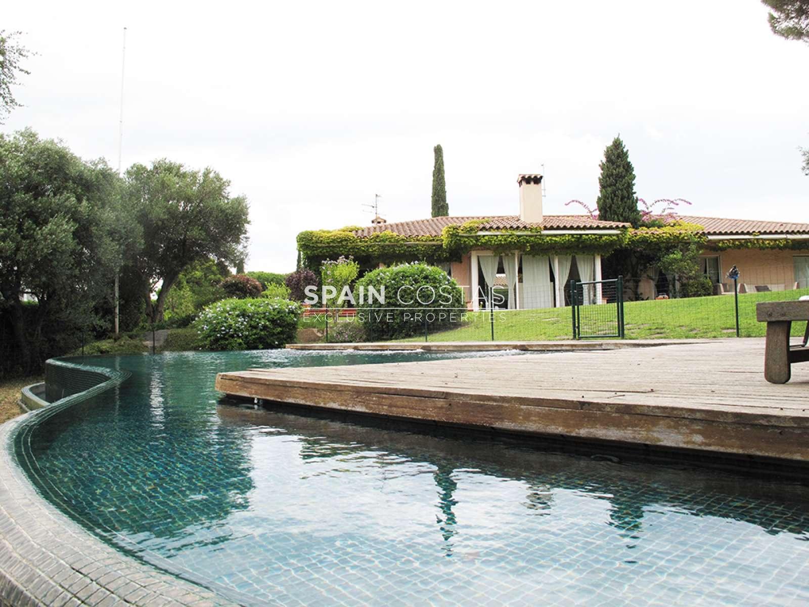 Magn fica casa con piscina en sant feliu de gu xols - Casas en sant feliu de guixols ...