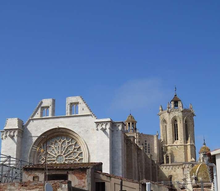 Edificio en frente de la Catedral, Tarragona