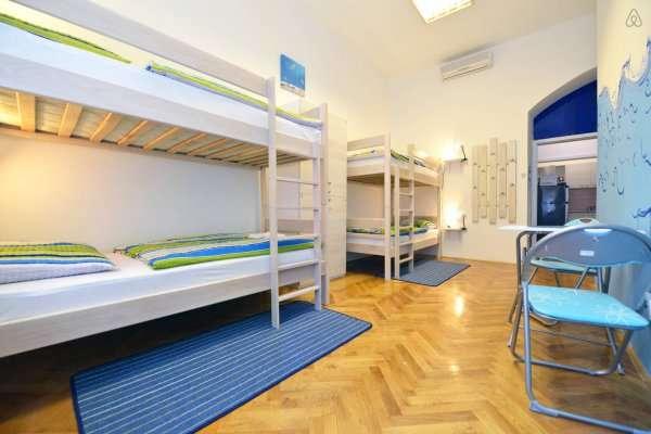 Hostal de 12 habitaciones junto Placa Catalunya