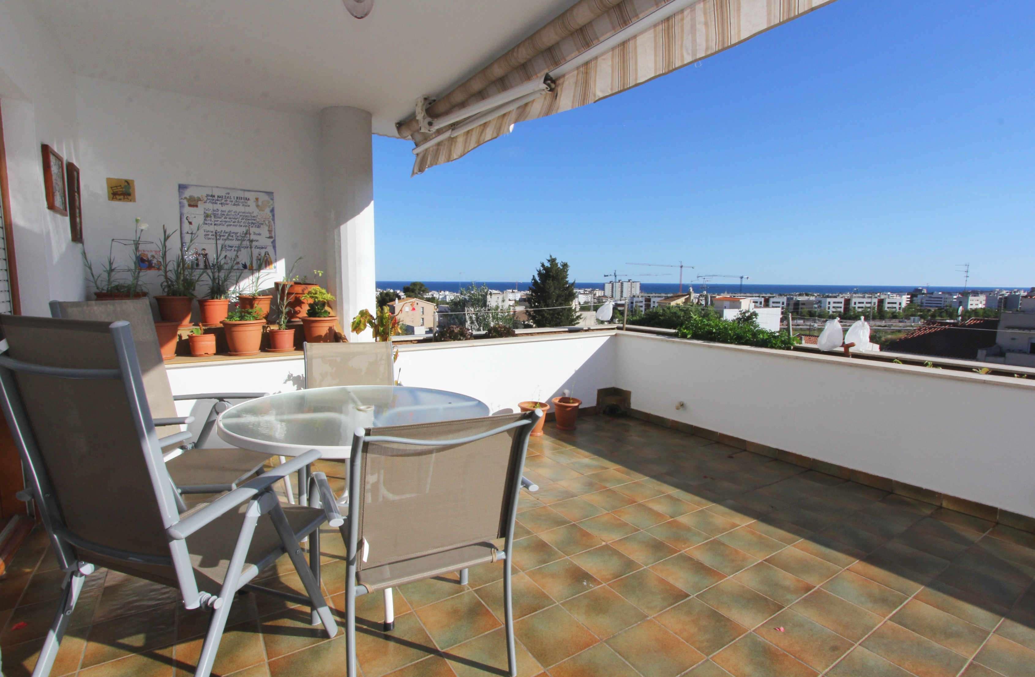 Ático dúplex con vistas al mar en La Bóvila, Sitges