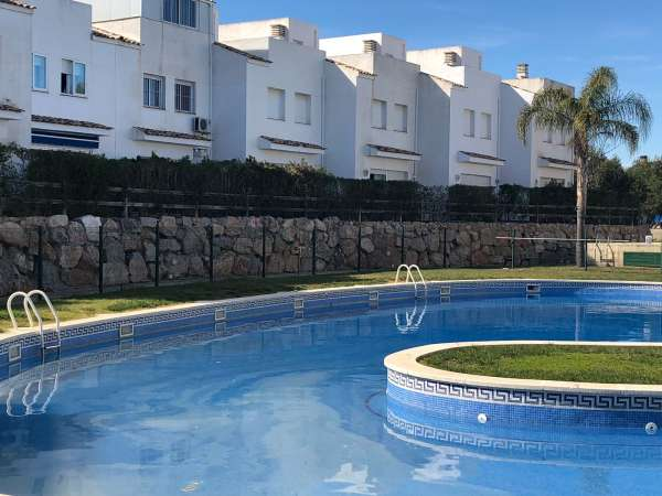 Casa adosada con piscina en Salou