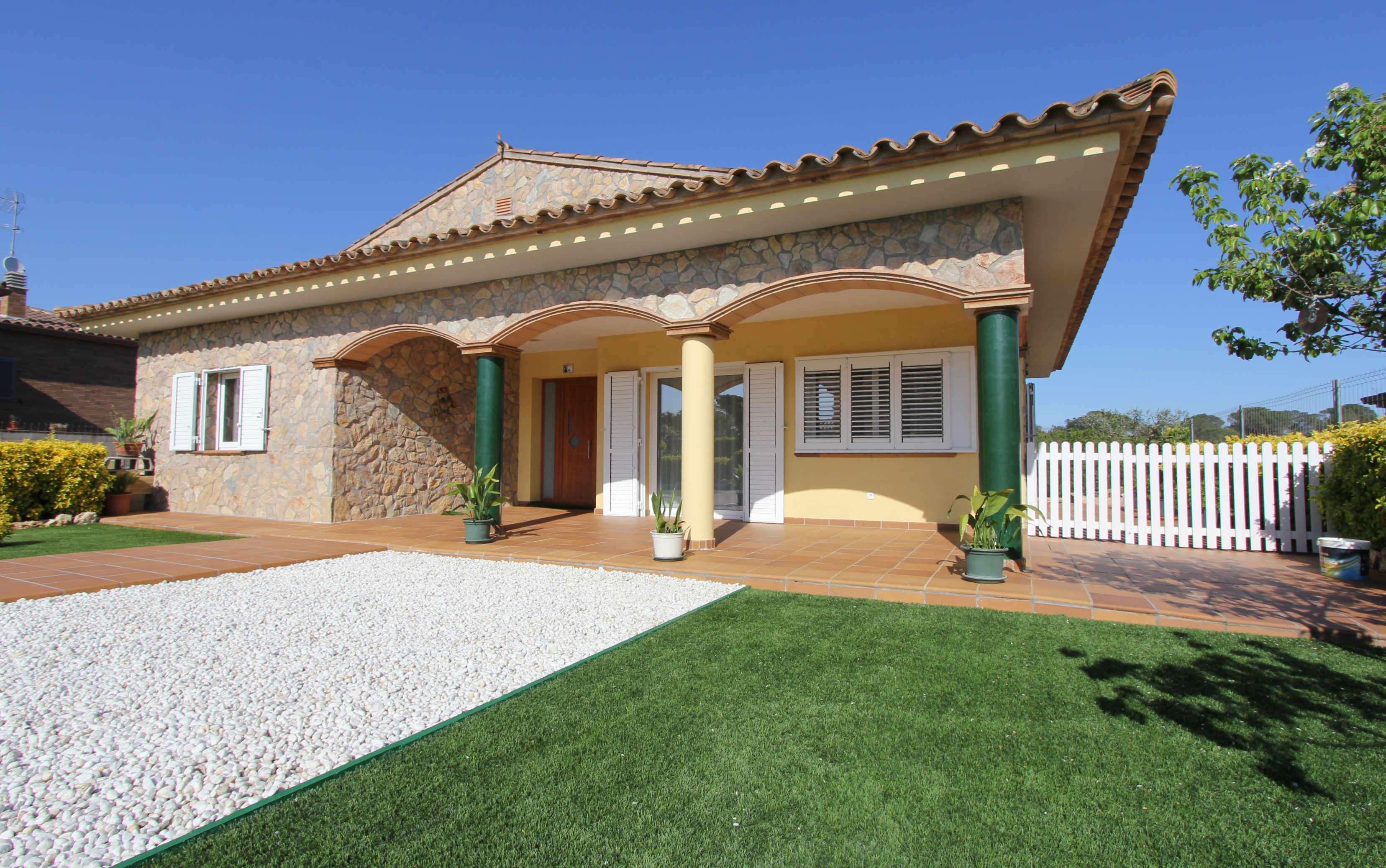 Casa nueva a estrenar en Vidreres, Girona