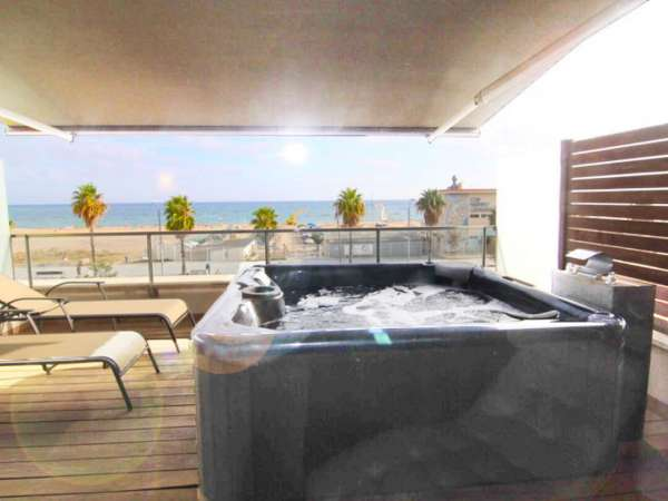Casa adosada en Castelldefels playa - alquiler temporal