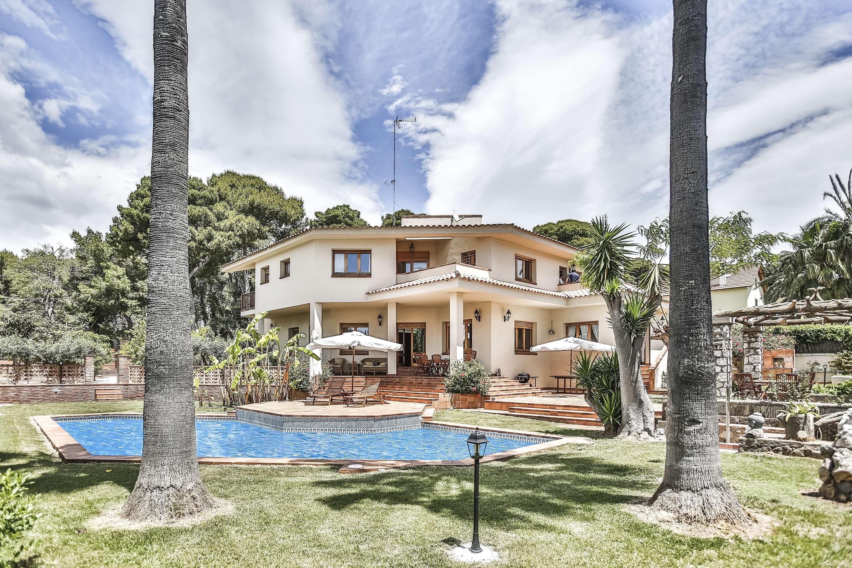 Villa con piscina Vilanova