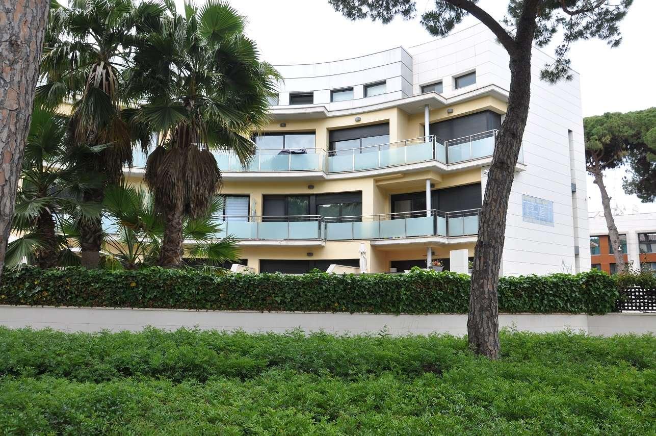 Bloque de apartamentos turísticos en Castelldefels