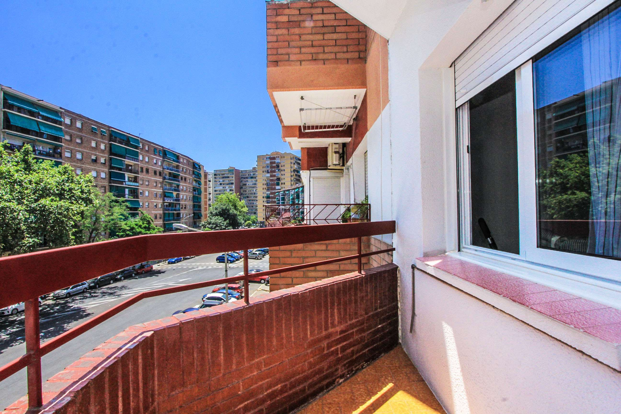 Piso de 3 Hab con balcón
