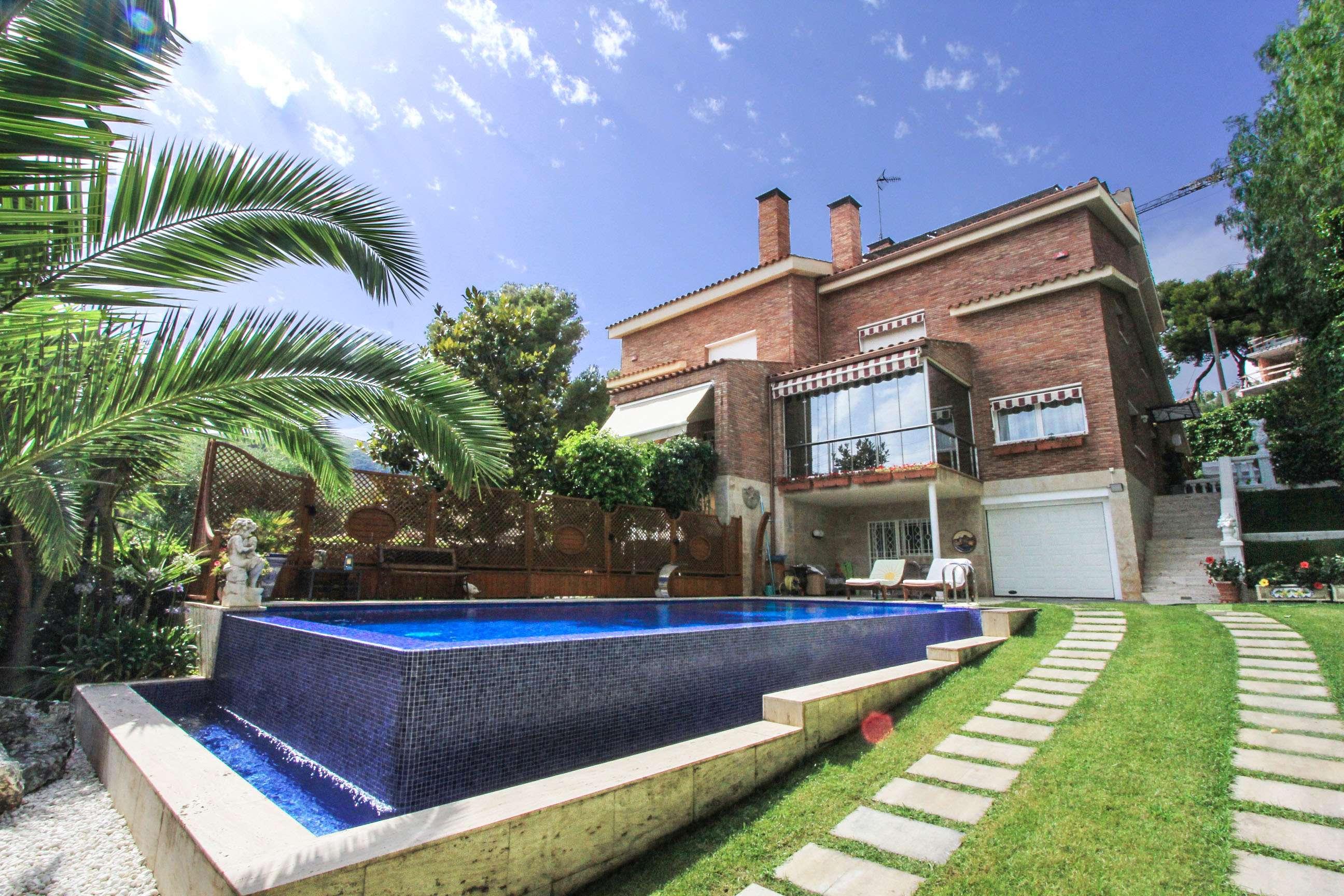 Casa on piscina en Castelldefels