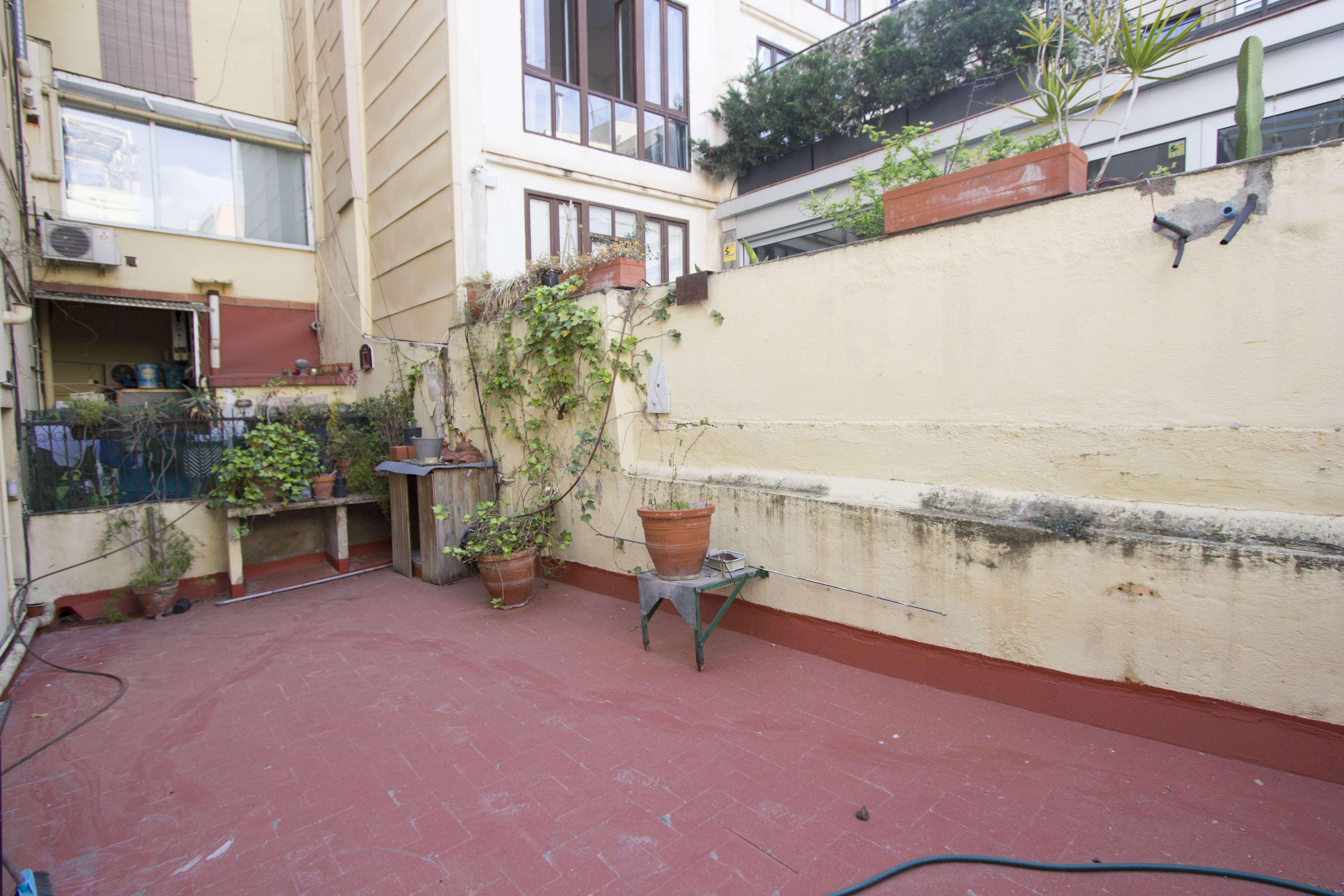 Piso y local en venta en Sant Pere