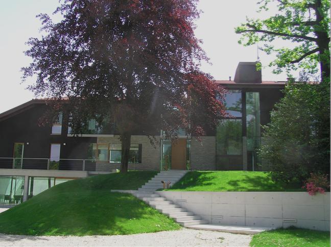 Moderna villa de altísima calidad en Laveno-Mombello
