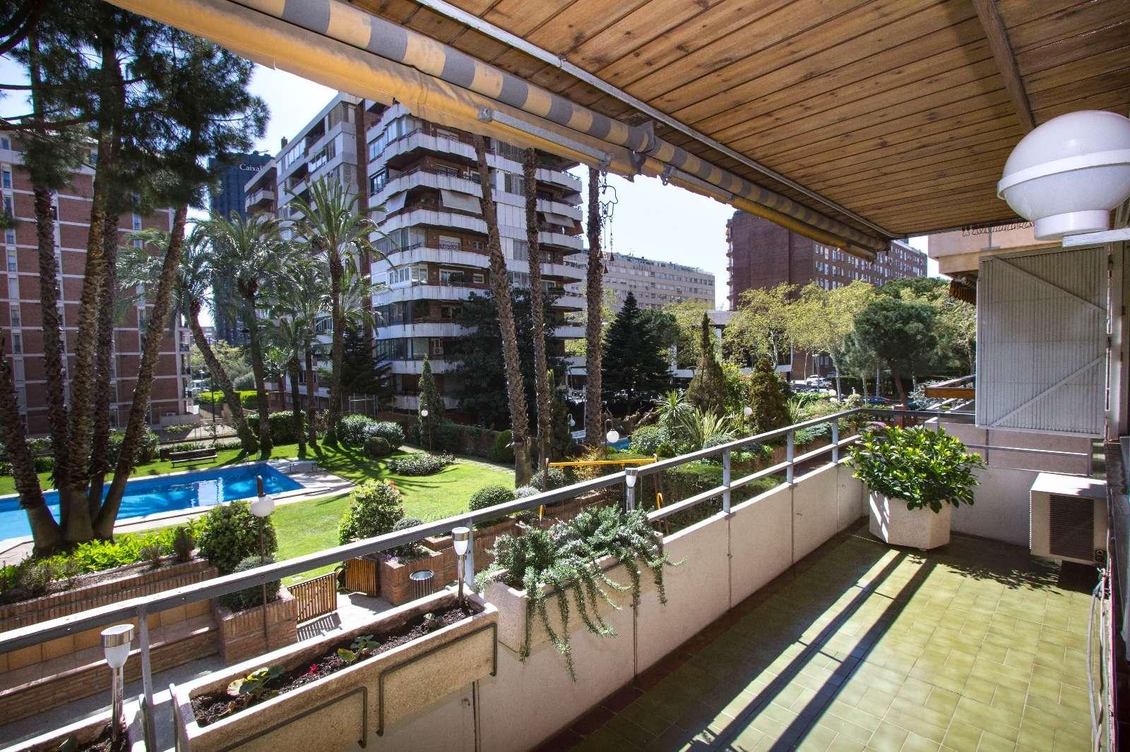 Precioso apartamento con piscina en Pedrables