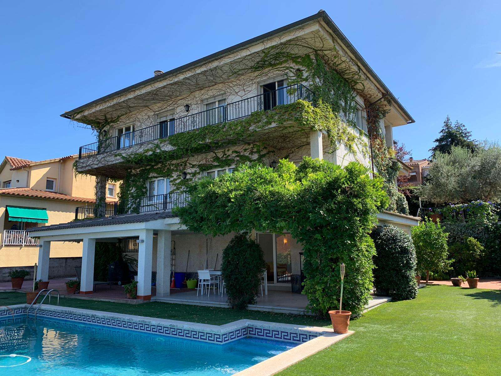 Magnifica casa en Girona